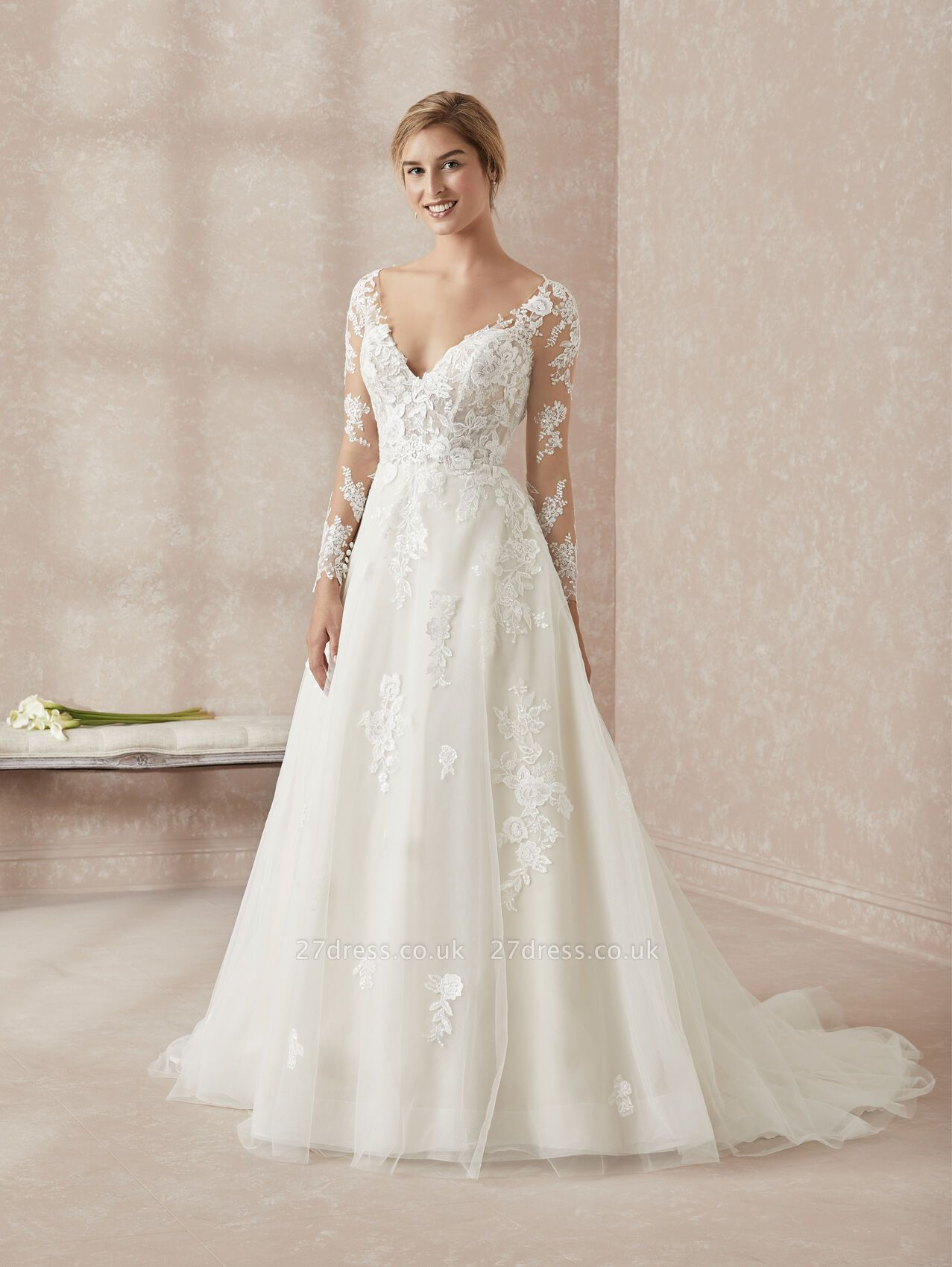 Elegant V-Neck Long Sleeve Wedding Dress A-line Lace Appliques Bridal Gowns
