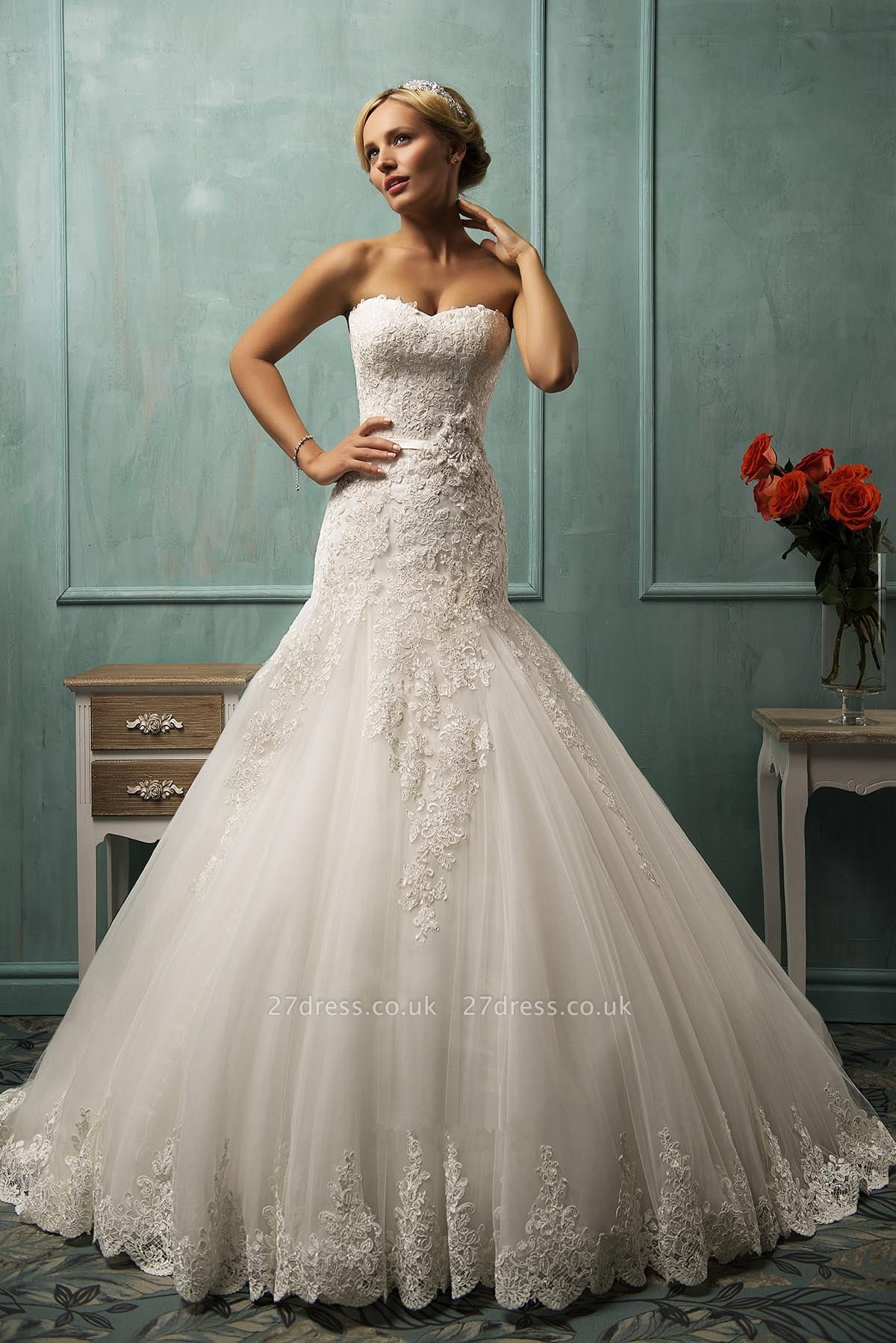 Elegant Sweetheart Sleeveless Sexy Mermaid Wedding Dress With Lace Appliques