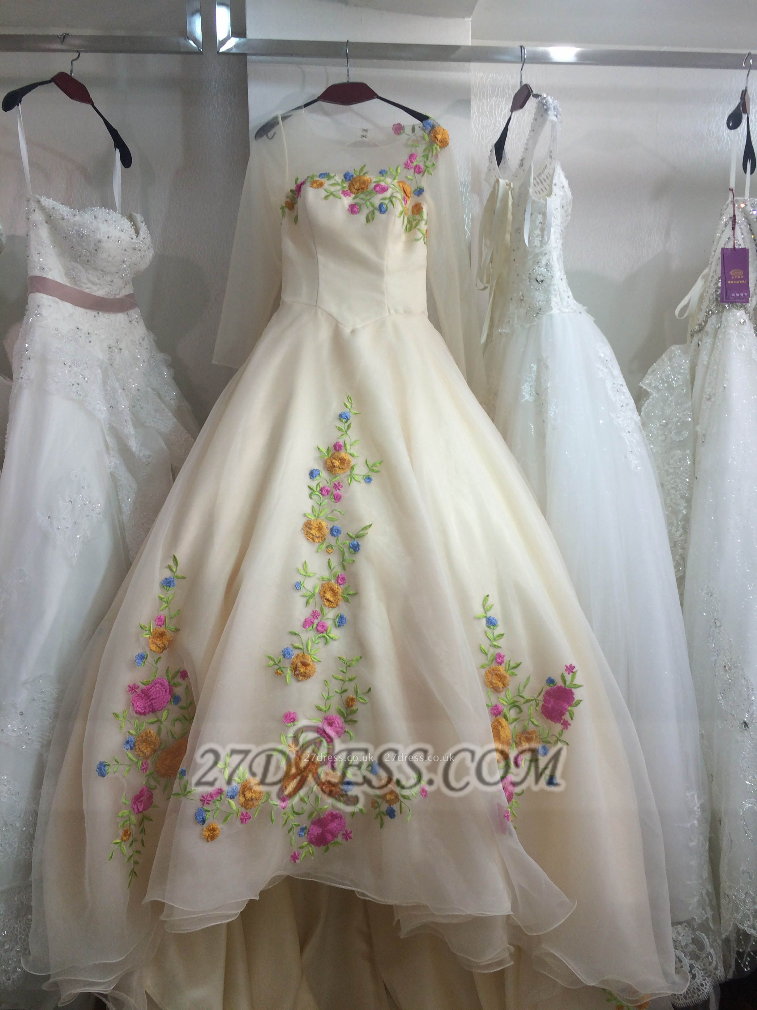 Pretty Sweetheart 3/4 Sleeve Long Wedding Dress Embroidery Flowers With Train