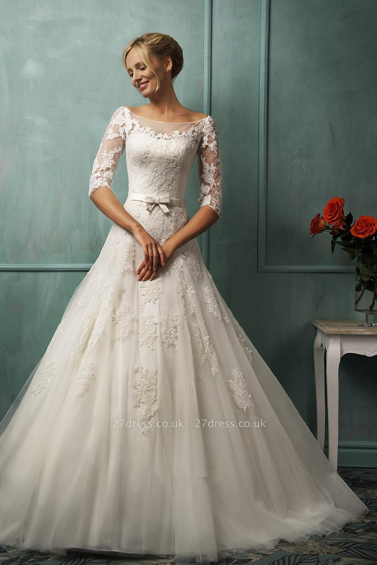 Modern Half-sleeve Tulle Lace Appliques Princess Wedding Dress With Bowknot