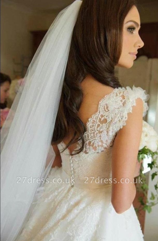 Delicate Lace Appliques Tulle Wedding Dress Button Zipper Back Straps Sleeveless