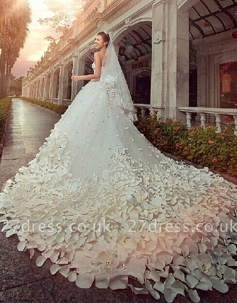 Elegant Appliques Cystals Princess Wedding Dress Sweetheart With Long Train