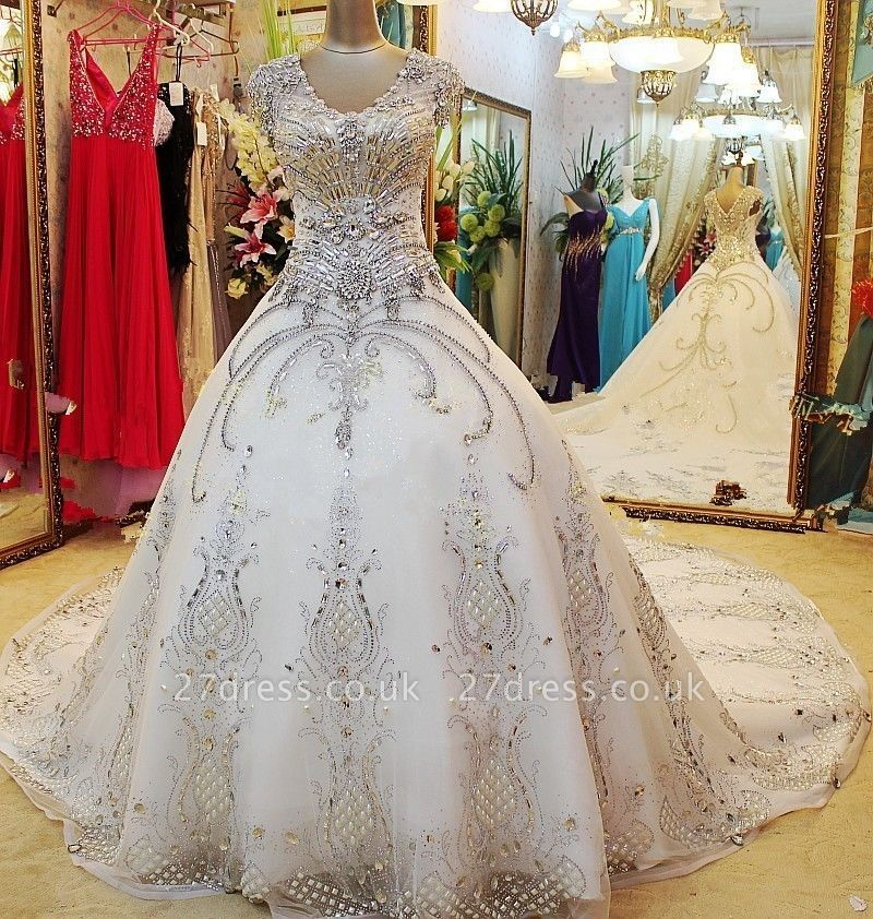 Luxurious Scoop Neckline Cap Sleeve Wedding Dress Ball Gown With Beadss Crystals