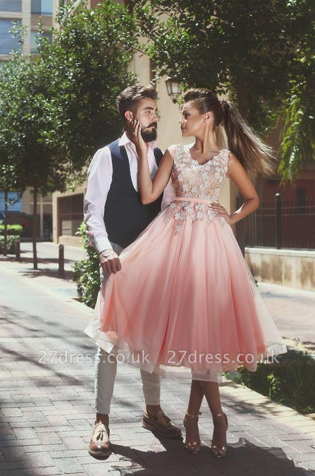 Lovely Sleeveless V-Neck Short Prom Dress UK   Lace Appliques Homecoming Dress UK