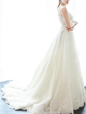 Court Train A-Line Lace  V-Neck Applique Sleeveless Wedding Dresses UK_5