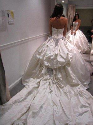 Cathedral Train Ruffles Ball Gown Sweetheart Taffeta Sleeveless Wedding Dresses UK_3