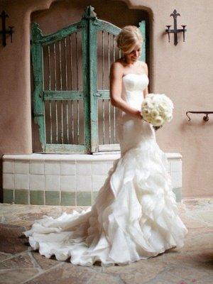 Court Train  Sexy Mermaid Sleeveless Sweetheart Ruffles Satin Wedding Dresses UK_4