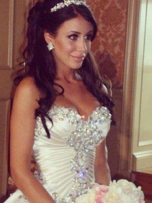 Cathedral Train Ruffles Ball Gown Sweetheart Taffeta Sleeveless Wedding Dresses UK_4