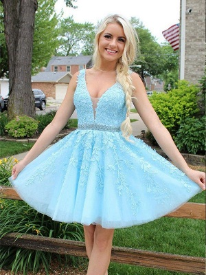 Chic Tulle Appliqus Straps A-Line Beading Homecoming Dress_1