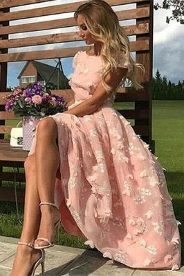 Elegant Tea-length Lace Appliques A-line Prom Dresses