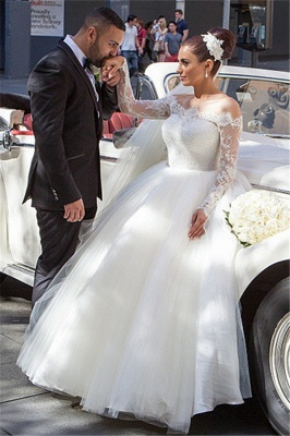 Elegant Off-the-shoulder Lace Ball Gown Wedding Dress Tulle Button Back_1