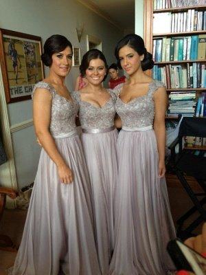 Sexy Silver Bridesmaid Dresses Lace Sequins Beads Cap Sleeves V-Neck Chiffon Bridesmaid Dress_1