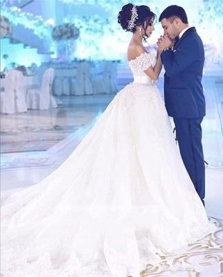 Elegant Off-the-Shoulder Wedding Dress With Lace Appliques On Sale_4