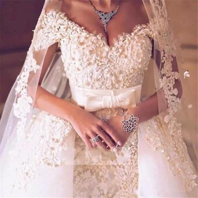 Elegant Off-the-Shoulder Wedding Dress With Lace Appliques On Sale_5