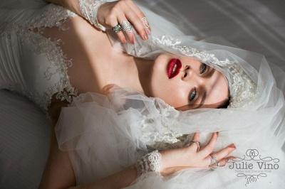 Delicate Off-the-shoulder Long Sleeve Wedding Dress UK Appliques With Front Split_2