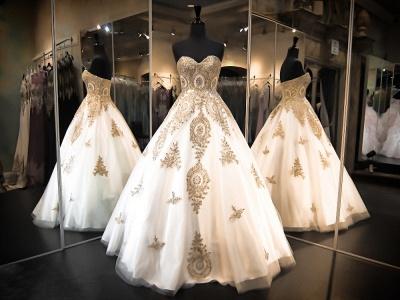 Luxurious Sweetheart Golden Appliques Wedding Dress Beadss Ball Gown Prom Dress_3