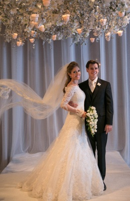 Noiva Train Ivory Long Sleeve Lace Wedding Dress Elegant Sweep Zipper Back Vestidos De Applique Wedding Dress_3
