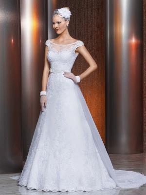 Gorgeous Scoop Neckline Lace Appliques A-Line Wedding Dress With Train_1