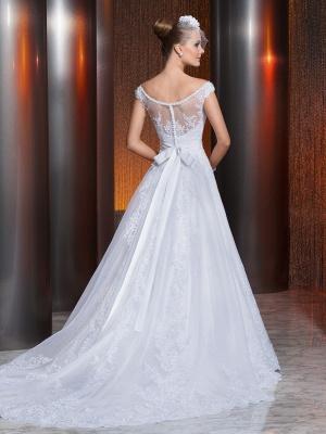 Gorgeous Scoop Neckline Lace Appliques A-Line Wedding Dress With Train_2