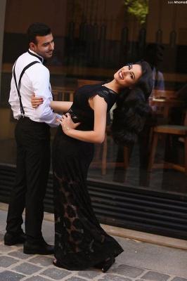 Elegant A-line Black Lace Evening Dress UK Cap Sleeve Floor-length_2