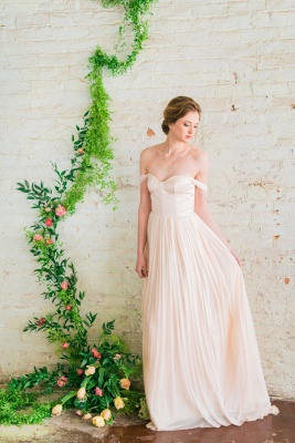 Elegant Off-the-shoulder A-line Wedding Dress  High Quality_1