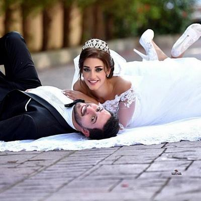 Delicate Off-the-shoulder Tulle Lace Appliques Wedding Dress Court Train_5