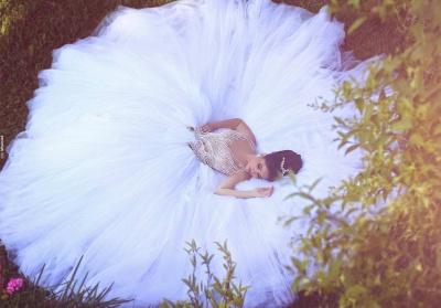 Gorgeous Beadss Tulle White Wedding Dress Ball Gown Straps Court Train_3