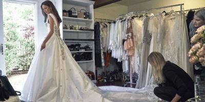 Modern V-Neck Sleeveless Wedding Dresses UK Princess Crystal Bridal Gowns_3