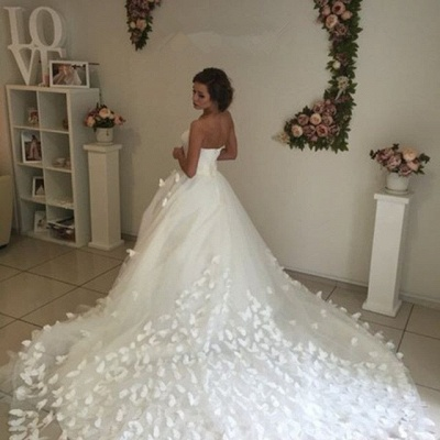 Gorgeous Sweetheart Flowers Wedding Dress With Train Tulle_3
