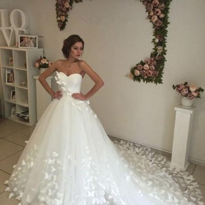 Gorgeous Sweetheart Flowers Wedding Dress With Train Tulle_5