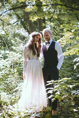 Elegant Long Sleeve Halter Wedding Dress Lace Open Back_3