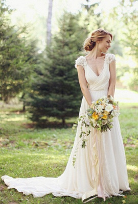 Modern V-neck  Flowers Wedding Dress Sweep Train_1