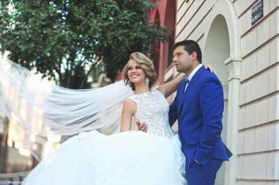 Elegant Tulle Ball Gown Wedding Dress Lace Appliques Lace-up_3