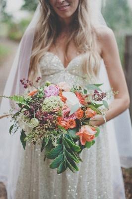 Elegant Spaghetti Strap Sleeveless Wedding Dress Floor-length Sequins_1