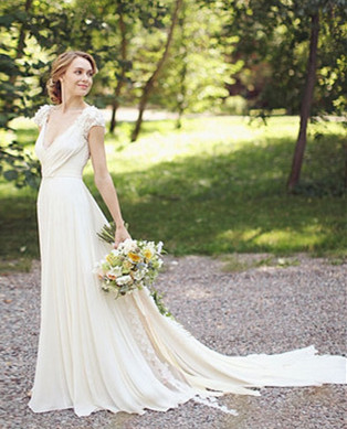 Modern V-neck  Flowers Wedding Dress Sweep Train_2