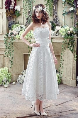 Delicate Lace Flower Strapless Wedding Dress A-line Sleeveless Lace-up_1