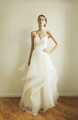 Fashion Sweetheart Lace Wedding Dress Tulle Floor Length_1