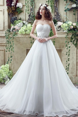 Chic White Sweetheart Beadss Wedding Dress Court Train Lace-up_1