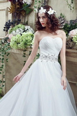 Chic White Sweetheart Beadss Wedding Dress Court Train Lace-up_7