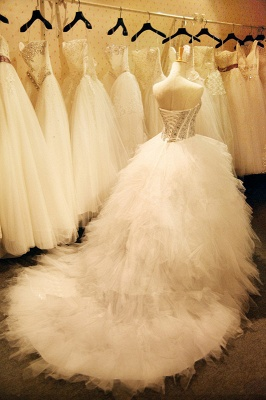 Newest Crystals Ruffles Wedding Dress Sweetheart Sleeveless Lace-up_3