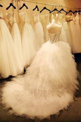 Newest Crystals Ruffles Wedding Dress Sweetheart Sleeveless Lace-up_1