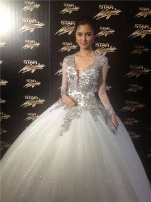 New Arrival Backless Lace Ball Gowns Wedding Dresses UK Sheer Cheap  V-Neck Long Sleeves Floor Length Bridal Gowns With Appliques_2