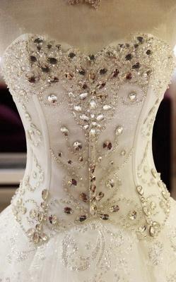 New Arrival Beaded Wedding Dresses UK Sweetheart Sleeveless Lace Appliques Bridal Dresses_5