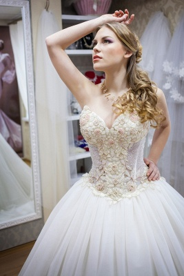 Elegant Sweetheart Sleeveless Tulle Wedding Dress With Beadss_3