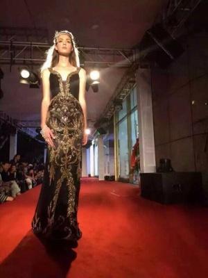Elegant Black V-Neck Mermaid Prom Dress UK Beadings Crystals Sweep Train Evening Gowns_6