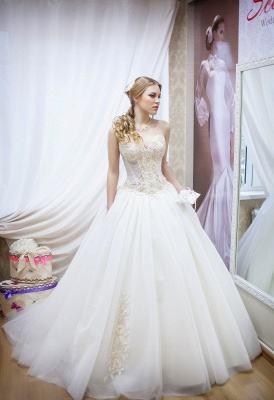 Elegant Sweetheart Sleeveless Tulle Wedding Dress With Beadss_1