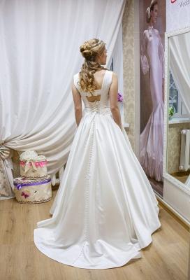 Modern V-neck Sleeveless Wedding Dress Lace-up With Bow_2