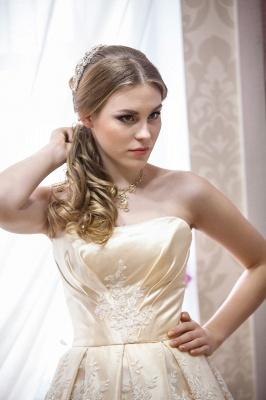 Elegant Strapless Sleeveless Champagne Wedding Dress Floor-length With Appliques_2