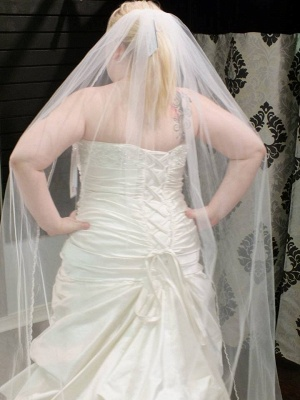 Elegant Lace Plue Size Wedding Dress Lace-up With Ruffles_2