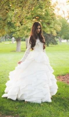 Elegant Beadss Lace Appliques Wedding Dress Ruffles Court Train_4
